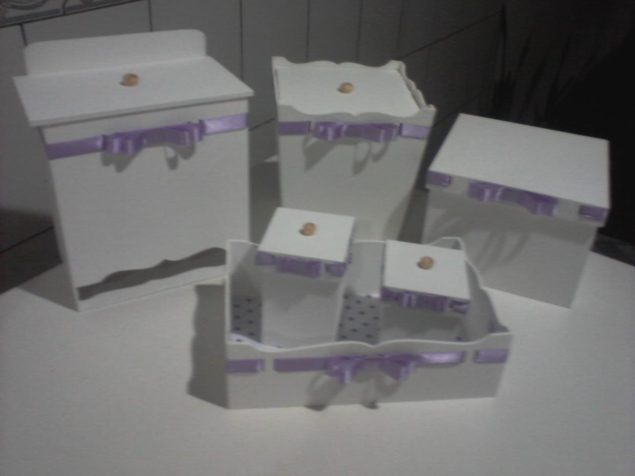 Em MDF e itens revestidos em tecido e fita cetim o kit completo  #51495A 1280x960